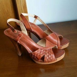 Vintage slingback heels basketweave leather